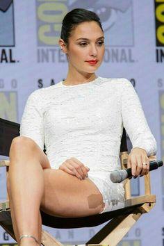 Gal Gadot as Wonder woman Beautiful Celebrities, Beautiful Actresses, Gorgeous Women, Beautiful Legs, Gal Gardot, Gal Gadot Wonder Woman, Jennifer Aniston, Hollywood Actresses, Sexy Legs