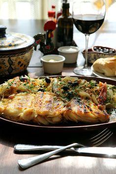 Bacalhau narciso com batatas e pimentões. 50 receitas de bacalhau para a Páscoa: entradas, bolinhos, pratos principais e massas - Paladar - Estadao.com.br