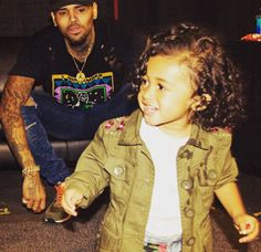 Singer Chris Brown shares adorable new photo with daughter Royalty - http://www.nollywoodfreaks.com/singer-chris-brown-shares-adorable-new-photo-with-daughter-royalty/