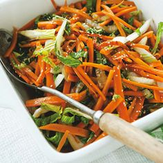 Carrot with paksoy - Dutch recipe Dutch Recipes, Great Recipes, Dinner Recipes, Healthy Recipes, Favorite Recipes, Asian Kitchen, Superfood, Vegetable Recipes, Good Food