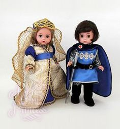 Camelot Doll Set Sir Lancelot and Guinevere Madam Alexander Beautiful Dolls, Beautiful Outfits, Doll Toys, Barbie Dolls, Lancelot And Guinevere, Precious Moments Dolls, Dolly Fashion, Madame Alexander Dolls, Doll Parts