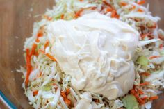This easy and delicious Homemade Creamy Coleslaw makes the perfect side dish to serve with any meal. Also, it's a simple coleslaw that tastes great. Coleslaw Recipe Miracle Whip, Coleslaw Recipe Easy, Homemade Coleslaw, Slaw Recipes, Cajun Recipes, Chili Recipes, Creamy Coleslaw Dressing, Coleslaw Mix, Creamy Cole Slaw Recipe
