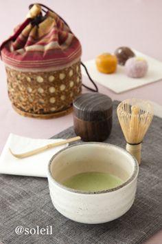How clever! Japanese Matcha Tea, Japanese Tea Set, Japanese Dishes, Japanese Sweets, Tea Recipes, Wine Recipes, Green Tea Mochi, Green Tea Cookies, Tea Japan