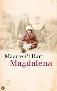 Magdalena (Lena) 't Hart stierf in 2012, 92 jaar oud. Ze liet haar zoon beloven dat hij pas na haar dood over haar zou schrijven. Nu is er het autobiografische Magdalena, waarin 't Hart vertelt wie zij werkelijk was. Maarten 't Hart - Magdalena #leestip #aanrader