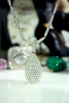Clear crystal shining Crystal Drop, Pendants, Crystals, Silver, Jewelry, Jewlery, Money, Bijoux, Jewerly