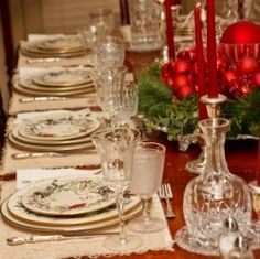 A Christmas dinner table is not complete without a beautiful Christmas dinnerware set.