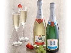 My new article about Hungarian Sparkling wines. It is an introduction with a little bit of history and the most notable producers. I hope you like it, please let me know in the comment section and… Sparkling Wine, Wines, Don't Forget, Champagne, Sparkle, Let It Be, History, Tableware, Blog