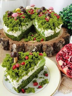 The best free jigsaw puzzles online! Pretty Cakes, Cute Cakes, Moss Cake, Cute Food, Yummy Food, Spinach Cake, Frog Cakes, Deco Nature, Cake Decorating Techniques