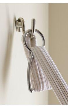 Hammock shortener designed to install a hanging hammock adapting its size to space available... Acortador de hamaca diseñado para poder instalar una hamaca colgante adaptando su tamaño al lugar disponible