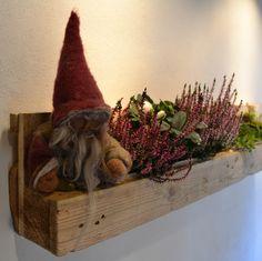 pienza, die kräuterpalette von produktewerkstatt ruedi humbel Planter Pots, Old Wood