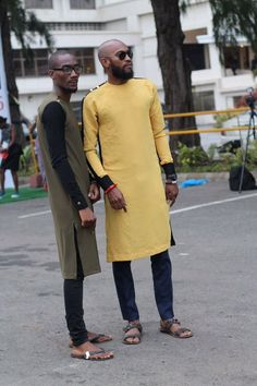 "Ronké Oloyėdé on Twitter: ""Nigeria's Street Fashion! https://t.co/30bkRaeAAY"""