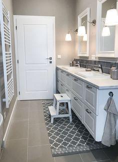 Kitchen Cabinets, Bathroom, House, Instagram, Home Decor, Kitchen Maid Cabinets, Bathrooms, Haus, Interior Design