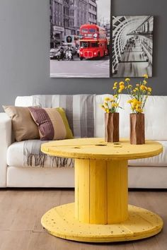 Looking for a cheap and creative DIY furniture ideas?Take a look and be inspired with cable spool furniture ideas that we prepared for you! Cable Spool Tables, Wooden Cable Spools, Pallet Furniture, Furniture Making, Furniture Ideas, Diy Casa, Sweet Home, Interior Design, Home Decor
