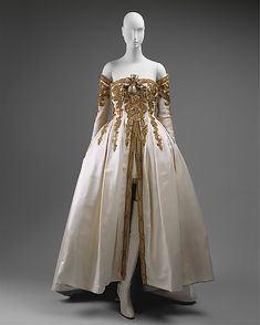 House of Chanel  (French, founded 1913)  Designer: Karl Lagerfeld (French, born Hamburg, 1938) Date: ca. 1990