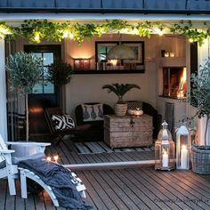 Upper garden terrace by STUDIO CONCEPT Landscape Architects