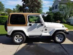 Car brand auctioned:Jeep Wrangler Sahara 2000 Car model jeep wrangler sahara 4.0 l 5 speed Check more at http://auctioncars.online/product/car-brand-auctionedjeep-wrangler-sahara-2000-car-model-jeep-wrangler-sahara-4-0-l-5-speed/