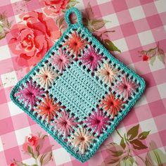 Scandinavian potholder crochet