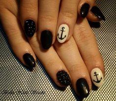 Black nails / art