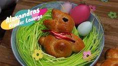 Osterhasen aus Hefeteig - Rezept von Alexandra´s Food Lounge Eggs, Lounge, Breakfast, Youtube, Baby, Easter Bunny, Bakken, Airport Lounge, Morning Coffee