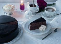 The Sachertorte has been the very first cake we prepared in 1997, with which it all began. Since then we tried to make it better every year.