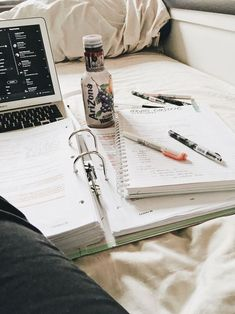motivation to get out of bed - motivation to get out of bed - motivation to get out of bed quotes - motivation to get out of bed wake up College Motivation, Study Motivation, Quotes Motivation, Studyblr Notes, Material Didático, Study Space, Study Desk, Study Pictures, Study Organization