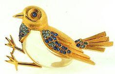 Vintage TRIFARI Jelly Belly Sparrow Bird Gold Plated Rhinestone Brooch.