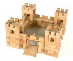 kasteel van bouwblokjes - Google zoeken Classroom Activities, Activities For Kids, Chateau Moyen Age, Fairy Tales Unit, Block Area, Princess And The Pea, Creative Curriculum, Reggio Emilia, Paper Toys
