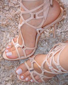 """2,158 curtidas, 58 comentários - Dani Feet (@dani_feet) no Instagram: """"Estava doida para usar minha sandália nova com francesinha! Quanta delicadeza nessa combinação...…"""""""