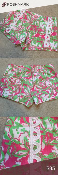 EUC Lilly Pulitzer Liza shorts  Liza shorts in Forgot to pack my trunk print.  Zipper in the back so the front lays flat.  Super cute front detail.  No trades. Lilly Pulitzer Shorts
