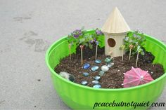 Need an activity to do with your Girl Scouts or other large group? Making fairy gardens is tons of fun, inspires children's creativity, and teaches them a lot as well! Girl Scout Daisy Activities, Girl Scout Crafts, Girl Scout Badges, Brownie Girl Scouts, Brownie Fairy, Girl Scout Camping, Crafts For Girls, Kids Crafts, Bug Crafts
