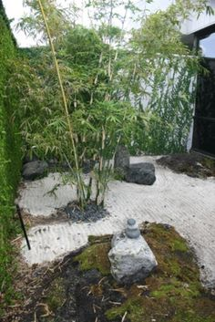 Awesome 40 Philosophic Zen Garden Designs : 40 Philosophic Zen Garden Designs With White Sands And Sculpture And Bamboo Tree And Natural Stone And Garden Decoration