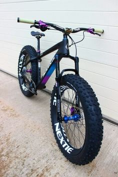 custum fatbike 👍 na Push Bikes, Bmx Bikes, Cycling Bikes, Cool Bikes, Fat Bike, Dh Velo, Vtt Dirt, Montain Bike, Downhill Bike