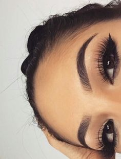 Perfect Eyebrows Made Easy With Semi Permanent Make Up Eyebrows Goals, Eyebrows On Fleek, Makeup On Fleek, Eyebrow Makeup, Skin Makeup, Eyeliner, Eye Brows, Thicker Eyebrows, Blonde Eyebrows