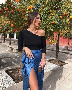Pin on Feminine Styles Pin on Feminine Styles Skirt Outfits, Chic Outfits, Fashion Outfits, Womens Fashion, Denim Fashion, Look Fashion, Fiesta Outfit, Parisian Wedding, Zara Outfit