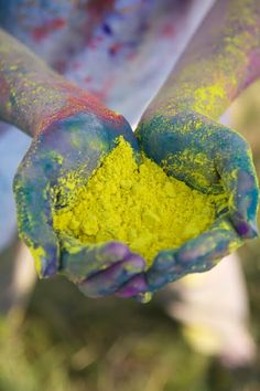Color fight with Holi colors. I think this would be a good idea for a kids birthday party. Coming soon in my home.