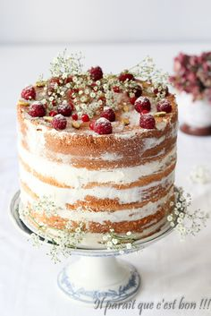 Naked cake, gâteau de savoie et framboises, chantilly