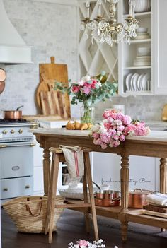 It's true… I am a bit of a mix and a match. I love a little shabby, a little cottage, a little French country and a mix of those styles in my rooms. My first love was French Country and you always have a soft spot for that first love don't you think? French Country Kitchens, French Country Farmhouse, French Country Bedrooms, French Country Style, French Country Decorating, Farmhouse Style, French Cottage Decor, French Home Decor, Modern Country