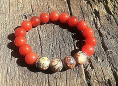 Náramky - Náramok na ruku červený onyx doplnený ozdobnými korálkami - 5584293_