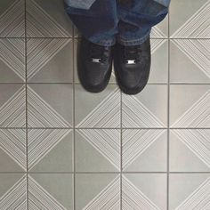 Merola Tile Brezo Gregal 5-7/8 in. x 5-7/8 in. Porcelain Floor and Wall Tile (5.73 sq. ft. / case)-FAE6BZG - The Home Depot