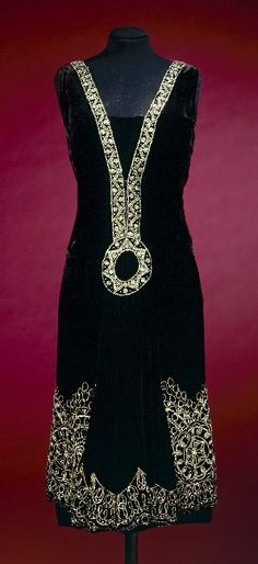 historicalfashion / Jean Patou evening dress | a French museum.. (can't discover which) | 1926
