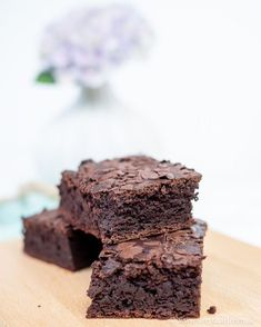 carb brownies for the bikini figure - chocolate pleasure without remorse . - Bake brownies with kidney beans recipe -Low carb brownies for the bikini figure - chocolate pleasure without remorse . - Bake brownies with kidney beans recipe - Chewy Brownies, Healthy Brownies, Brownie Desserts, Brownie Recipes, Cheesecake Brownies, Protein Brownies, Avocado Brownies, Chocolate Brownies, Brownie Low Carb