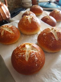 Simple Pretzel Bread Bowls