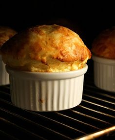 An easy cheese soufflé recipe. Clara Oswald liked and baked soufflés. Souffle Recipes Easy, Egg Recipes, Cheese Recipes, Snack Recipes, Cooking Recipes, Snacks, Egg Souffle, Cheese Souffle, Gourmet