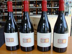 Obľúbené PRIMITIVO UE PASSULA z vinárstva VINOSIA opäť v našej ponuke.  Ochutnajte vína južného Talianska ešte dnes u nás ......................... www.vinopredaj.sk .......................  #primitivo #vinosia #uepassula #inmedio #wineshop #delishop #delikatesy #taliansko #zinfandel #lucianoercolino #primitivodimanduria #ochutnaj #taste #vino #wine #wein #winetasting #mojevino #mameradivino #milujemvino