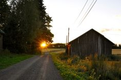 makes me wanna take a backroad..reminds me of home <3
