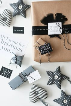 Christmas Wrapping Ideas � Stylish in black...