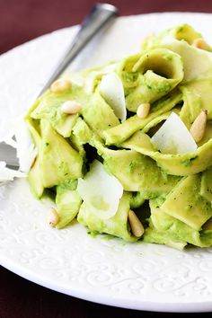Interesting and sounds delicious...Avacado Pesto Pasta