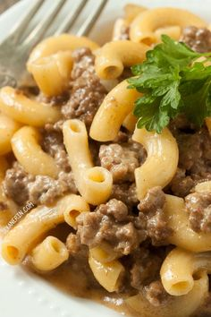 Ditch The Box Mix And Go With This Homemade Hamburger Helper Cheeseburger Macaroni. You Can Make This Recipe Whole Wheat, Gluten-Free Or Use Just Regular Pasta. It Is Definitely Better And Healthier Than The Boxed. Macaroni Recipes, Casserole Recipes, Meat Recipes, Dinner Recipes, Cooking Recipes, Healthy Recipes, Beef Dishes, Pasta Dishes, Homemade Hamburger Helper