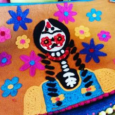 Handbag Bolsa Catrina Day of the Dead goodies At Barrio Antiguo 725 Yale St #HoustonHeights #houstontx ( 713 ) 880 2105 sales@barrioantiguofurniture.com