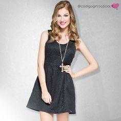 Para ficar linda com uma pegada bem romântica invista em um vestido com cinturinha bem marcada! Use acessórios que combinem com seu estilo e arrase! #LookBook #CodigoGirls